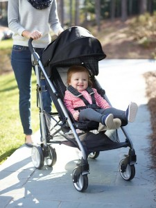 Graco Breaze Click Connect - 5 Best Lightweight Umbrella Strollers For Vacations 2016