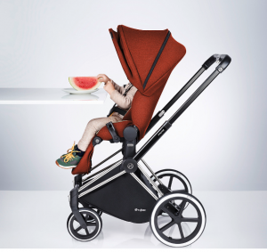 Cybex PRIAM Stroller Review - seat at table height with stroller