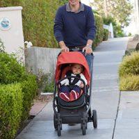 joovy-qool-stroller-review-for-easy-walk-in-street-of-new-york