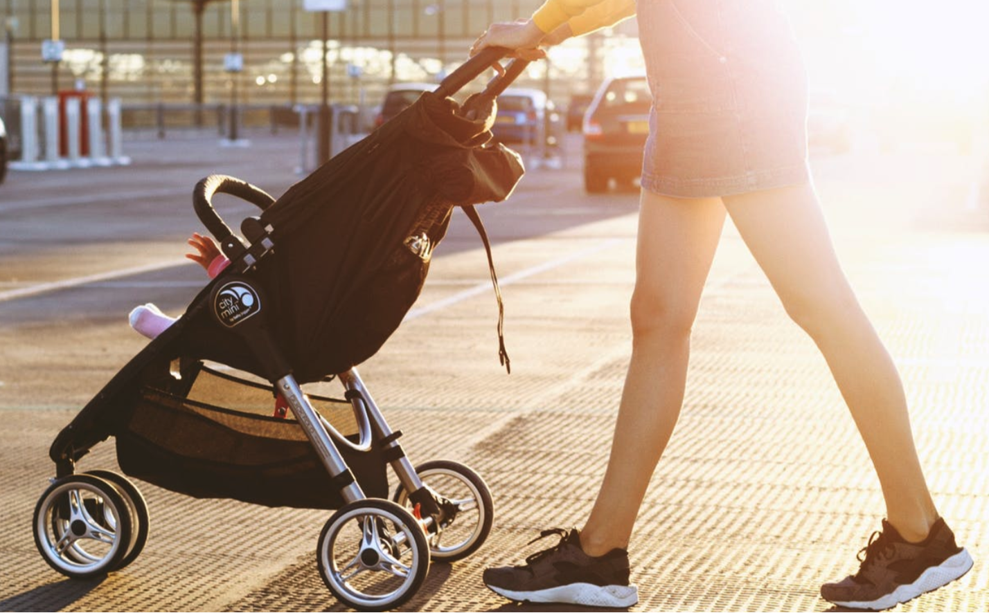 6 Tips To Keeping Your Child Cool In A Stroller