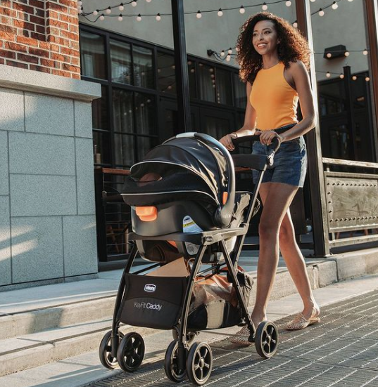 Chicco Umbrella Strollers a light weight Stroller, comfortable to use in the city, running errands or shopping without carrying a large and bulky stroller.